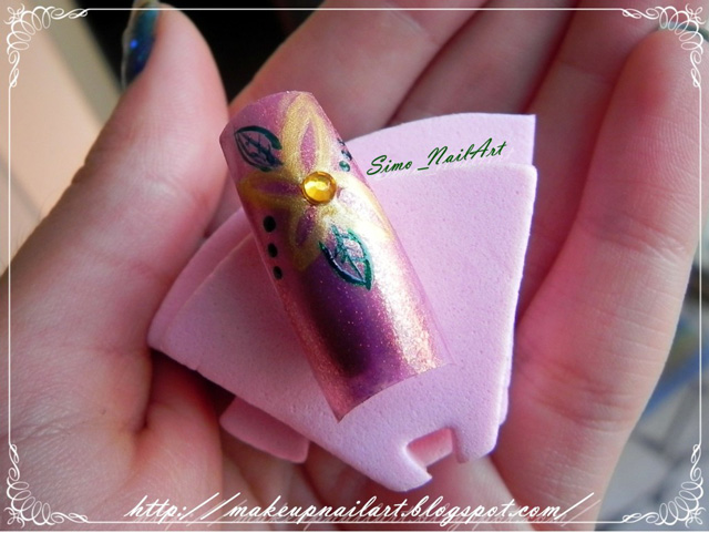 Tutorial-Nail-Art-Flower-Power-finita