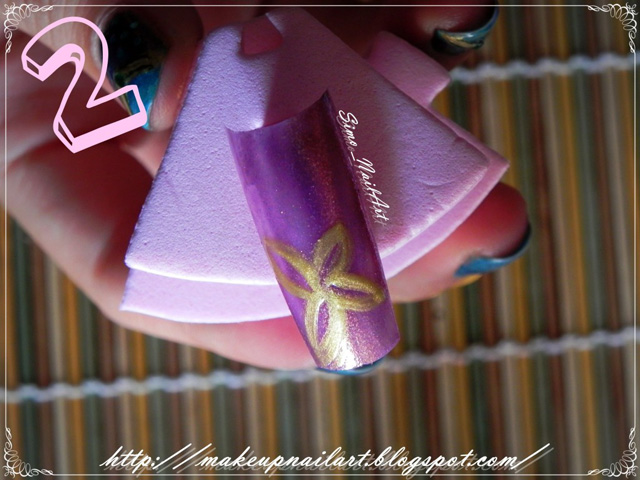 Tutorial-Nail-Art-Flower-Power-step2