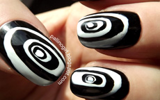 Optiburton Nails nail art