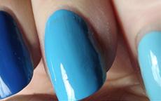 Triple Gradazioni di Blu Nail Art