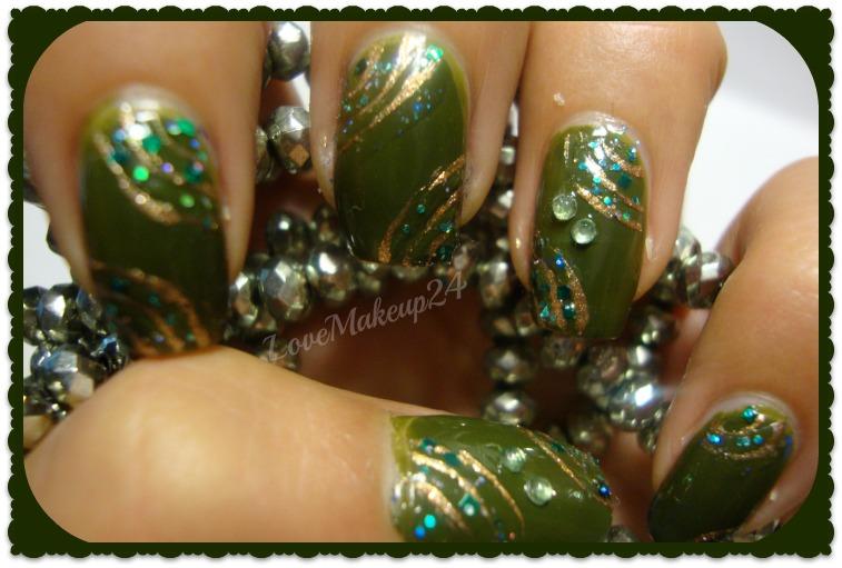 unghie verde militare e oro