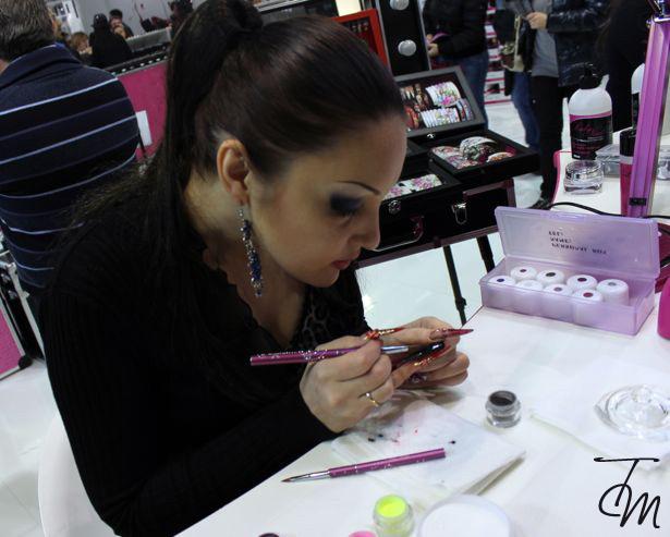 lady-nail-cosmoprof-2013-nail-artist