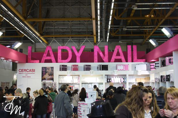 lady-nail-cosmoprof-2013-stand