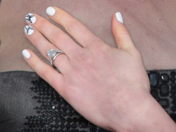 manicure-01-00240968000103h