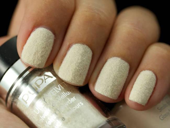 pupa-fluffy-velvet-white-nail-art
