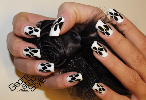 Geometric-Style-nails-04
