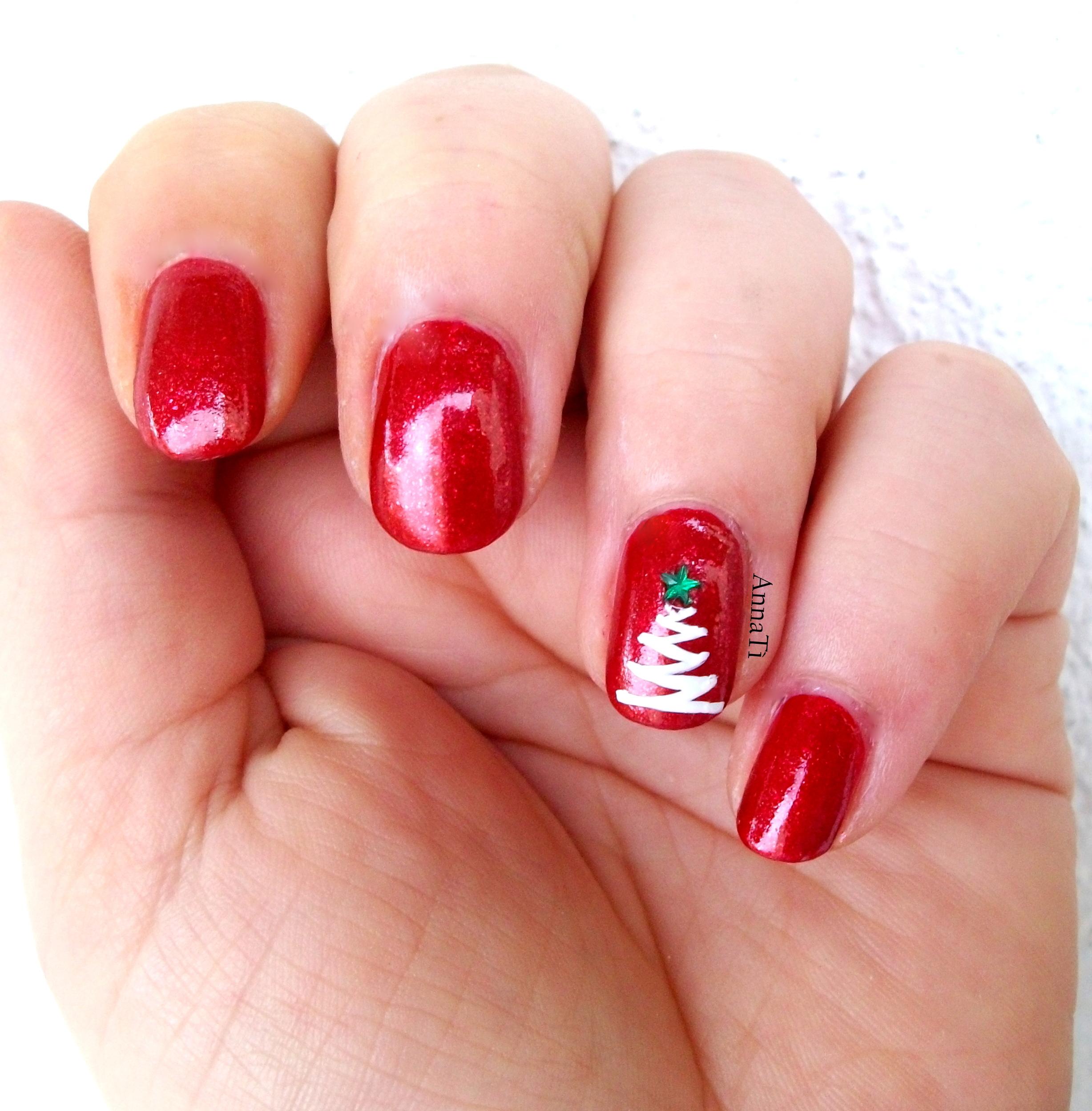 Immagini Unghie Di Natale.Tutorial Nail Art Con L Albero Di Natale