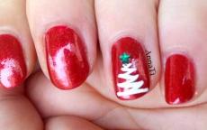 Tutorial Nail art con l'albero di Natale