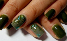 nail art evergreen