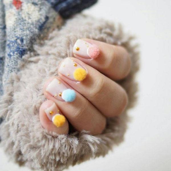 Pom-Pom-nails6