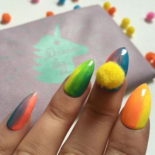Pom-Pom-nails7