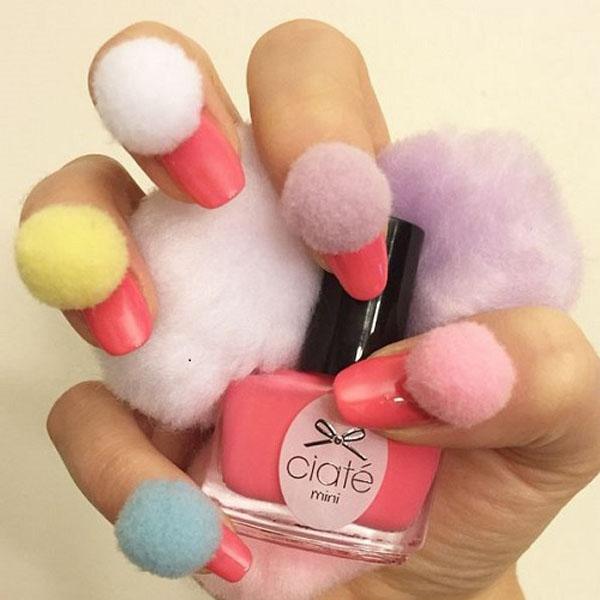 pom-pom-nails9