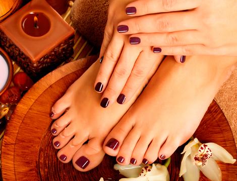 Smalti per l'estate: 5 idee per manicure e pedicure da abbinare