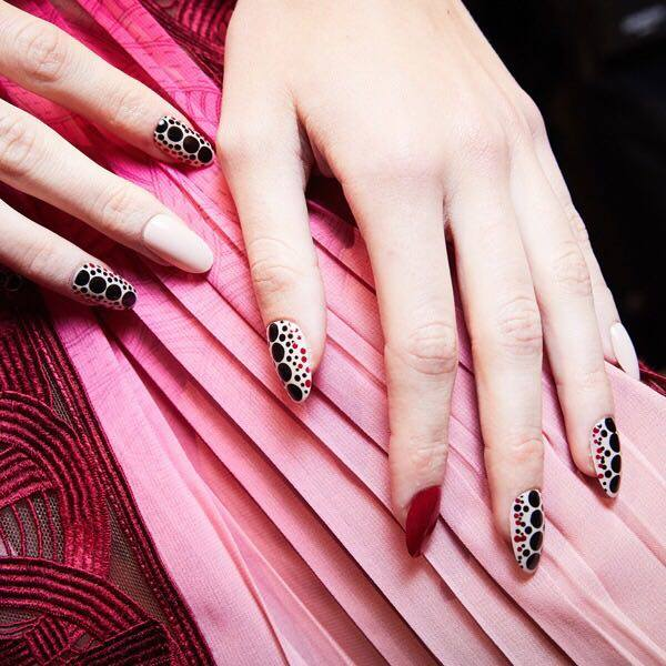 Tendenze unghie della Milano Fashion Week