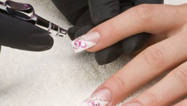 Airbrush nails: decorazioni spray