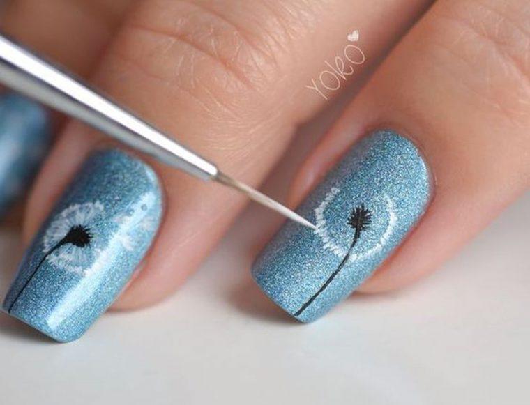 Unghie decorate, esecuzione di una nail art su base smalto