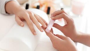 Mani curate, sane e splendenti: i segreti per unghie perfette in ogni occasione!